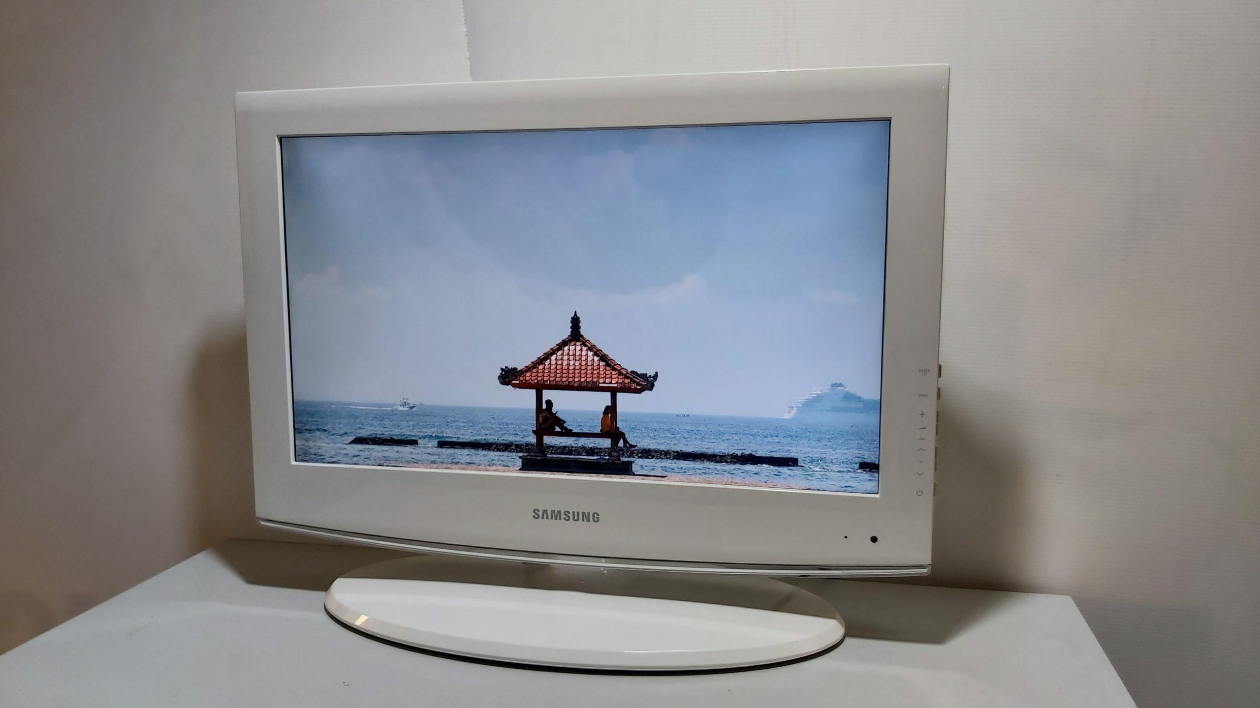 Samsung  LE22C453